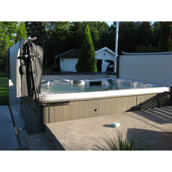 Boblebad The Ultimate med stor plass i massasjebadet for hele familien