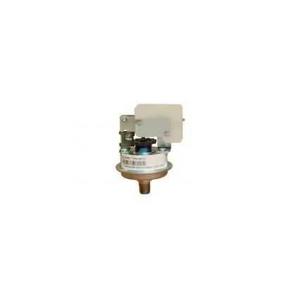 Trykk bryter som sitter på varmelement og måler vanntrykket i systemet