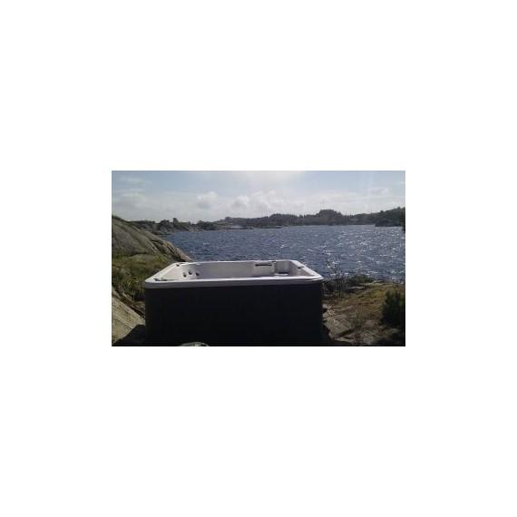 Boblebad XS93L er et massasjebad i verdens klasse fra Clear Water spa