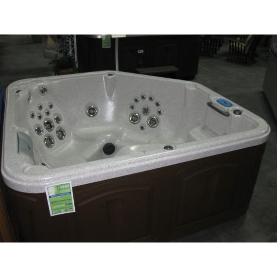 Boblebad XS76CC er et anderledes massasjebad med spesiell form