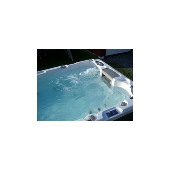 Svømmebasseng som er WiFi ready