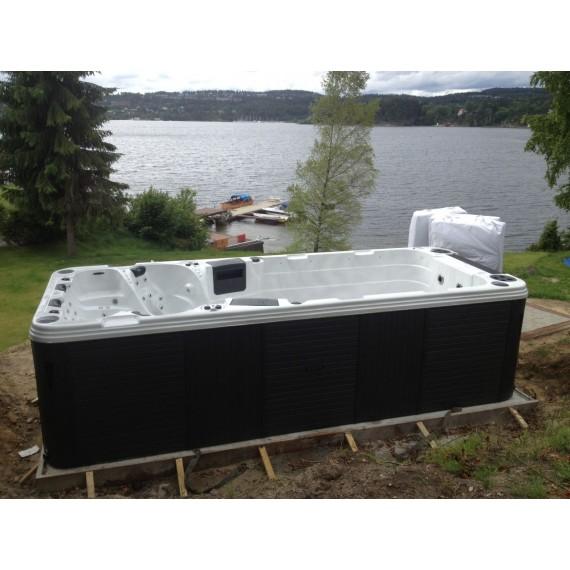 Svømmebasseng i hagen - WiFi ready
